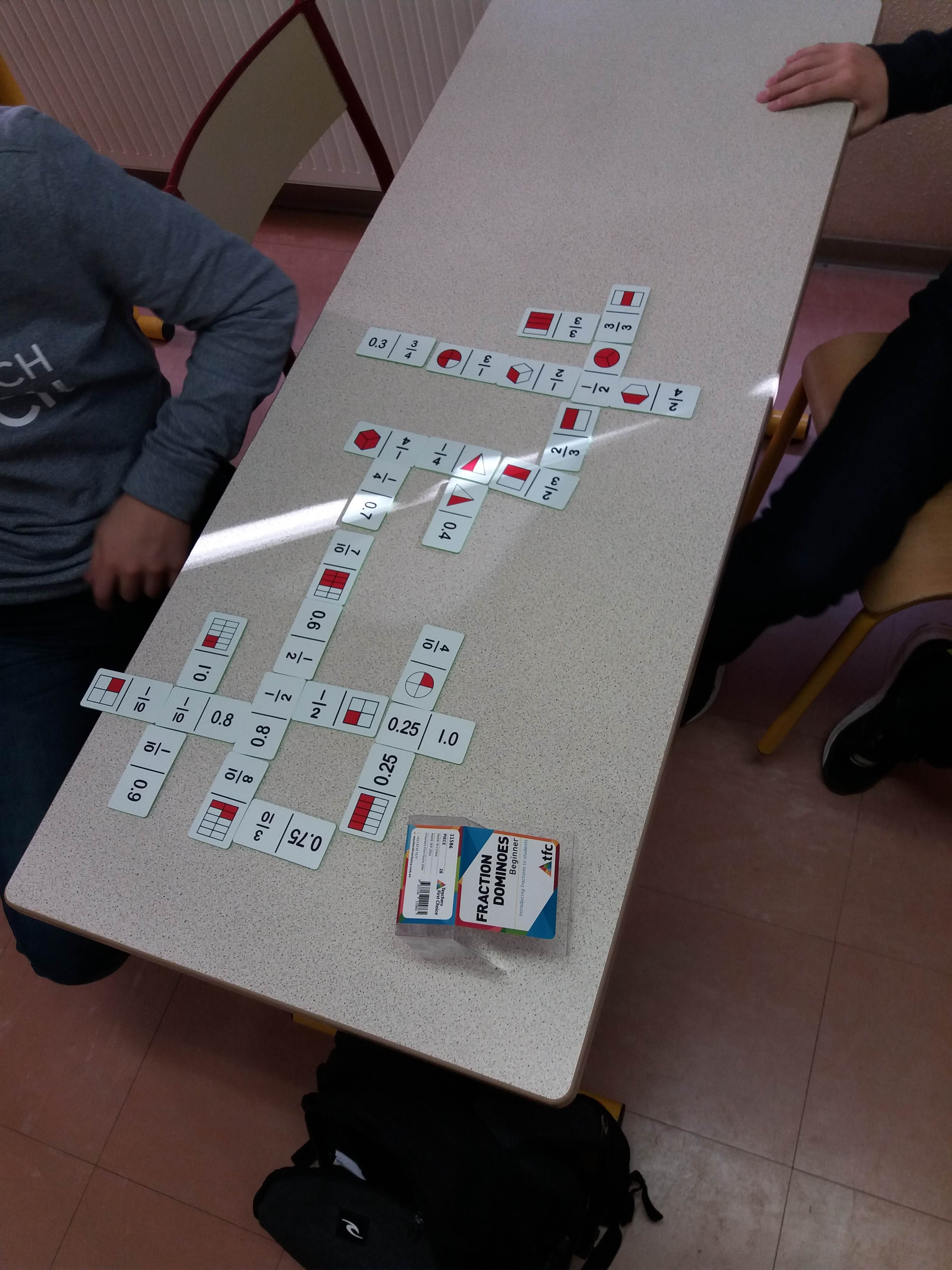 Exemple : 28 dominos fraction décimal
