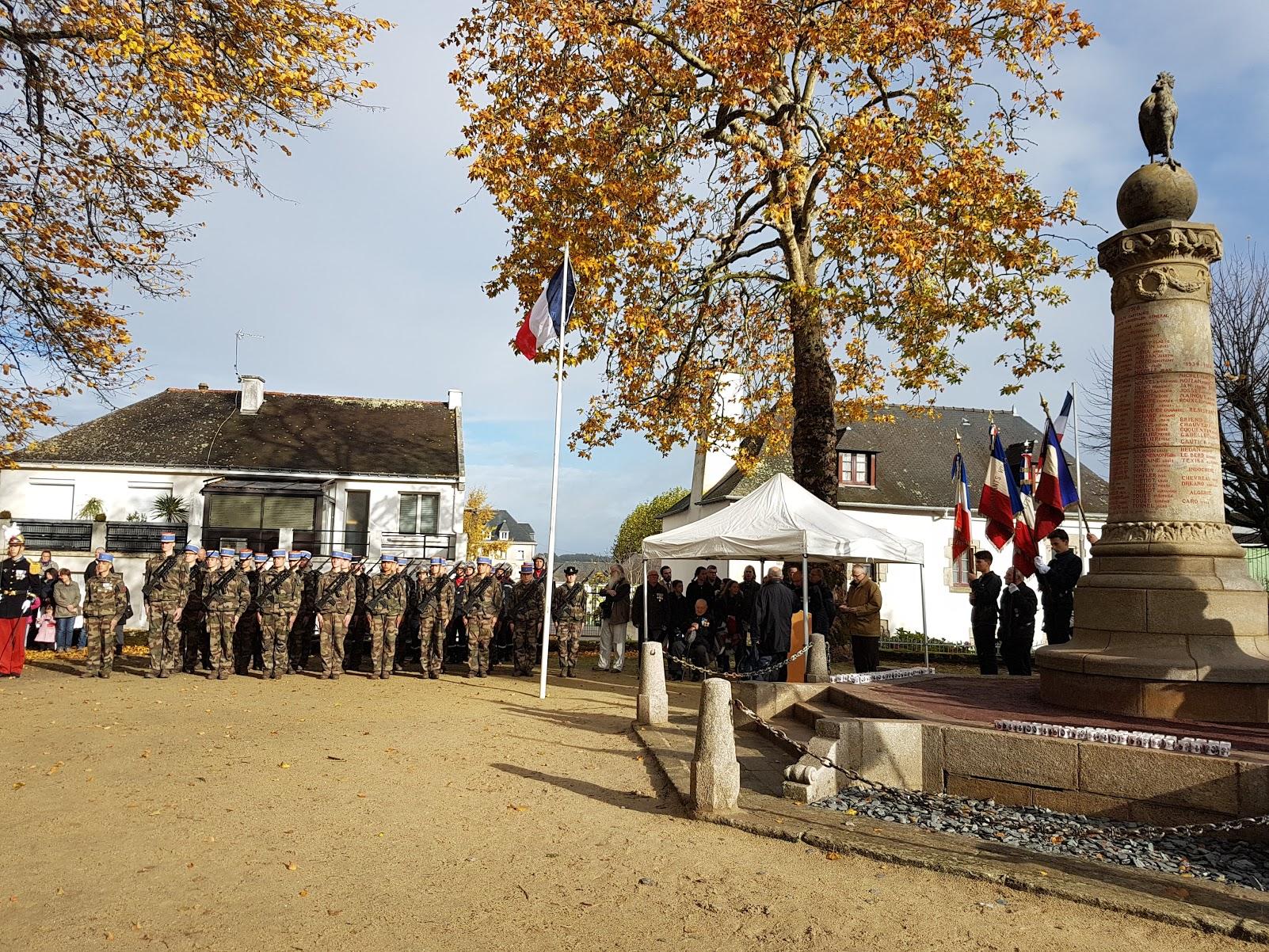 Lectures de lettres de poilus et des noms des morts pour la France